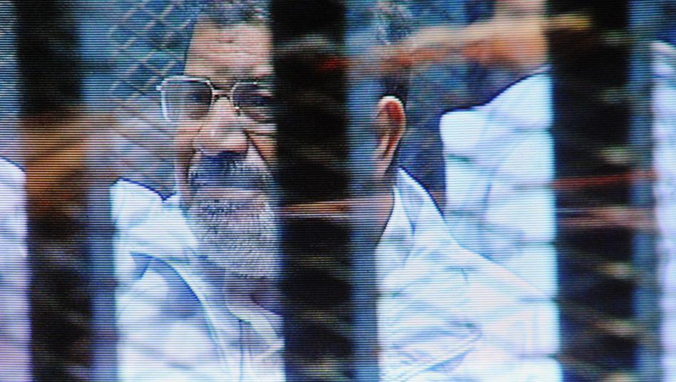 Inhaftierter Ex-Präsident Mursi: Angeklagt wegen Geheimnisverrats
