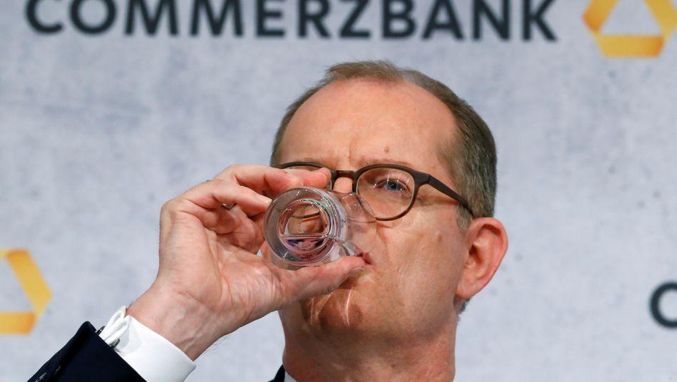 Ein letztes Glas: Vorstandschef Martin Zielke soll spätestens Ende des Jahres gehen