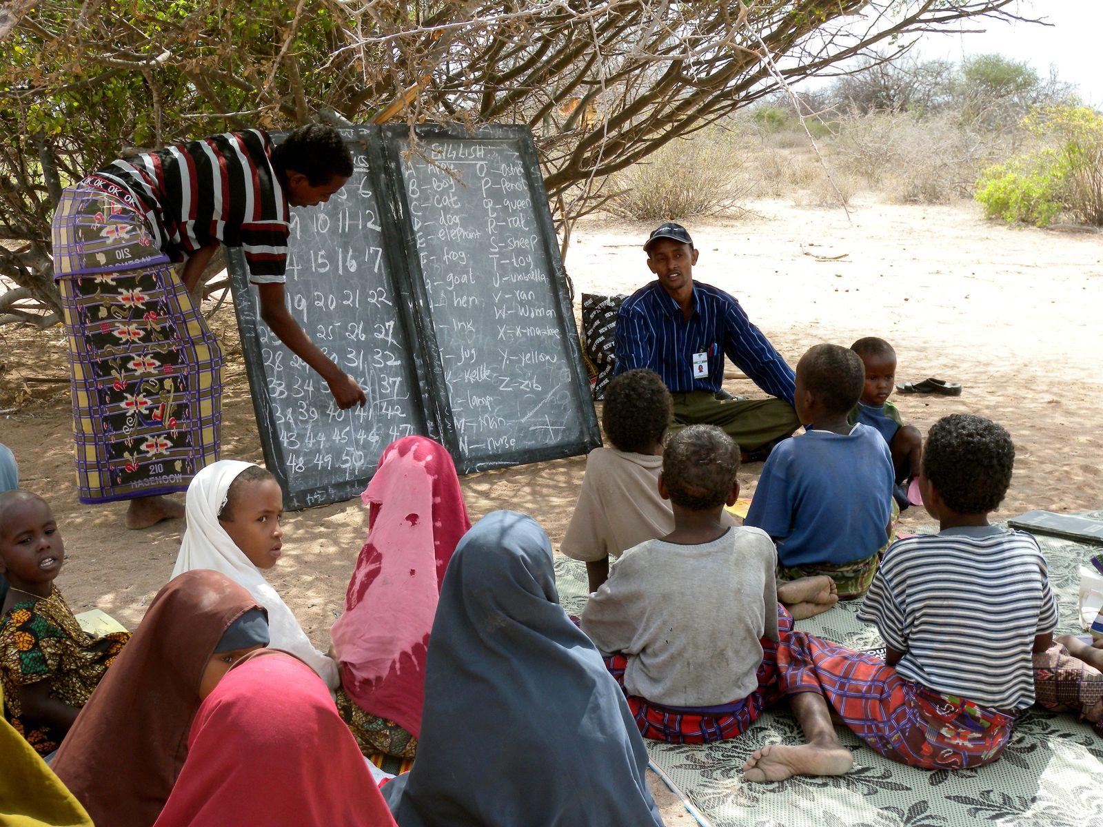 Nomadenschule in Kenia / Nomadenkinder