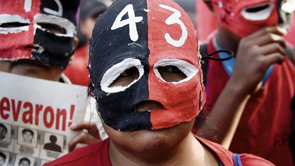 Demonstration in Mexiko-Stadt am 5. November zum Gedenken an die verschollenen Studenten