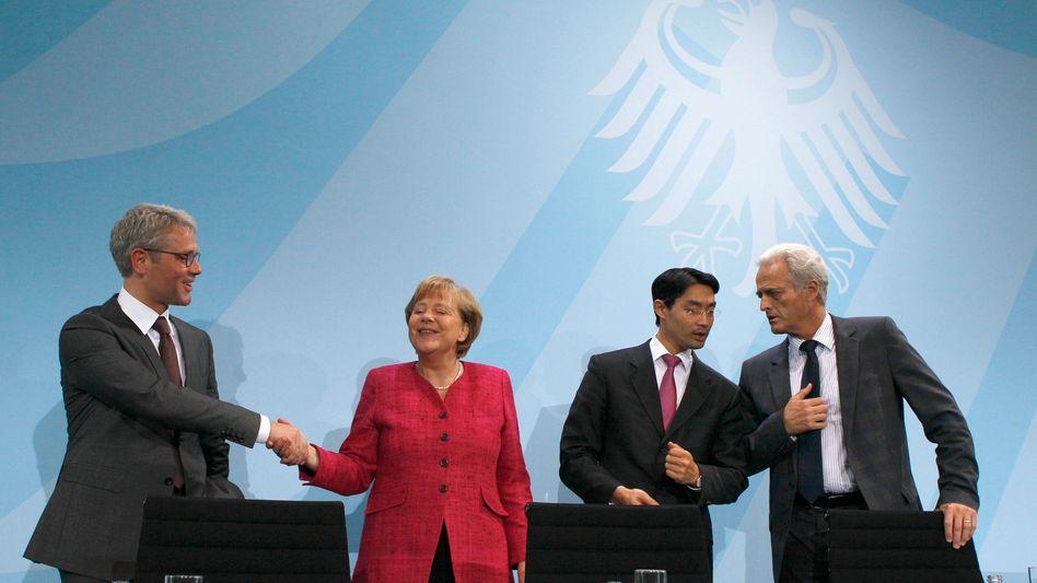 Kanzlerin Merkel mit Ministern: Willkommen im Ein-Parteien-Staat