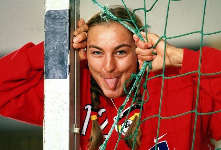 Lindemann gewann in ihrer Karriere nicht nur im Handball Medaillen, sondern auch als Leichtathletin: 2005 wurde sie in der Alsterklasse W35 dänische Meisterin, unter anderem im Kugelstoßen