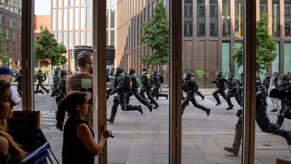 Polizisten beim G20-Gipfel 2017