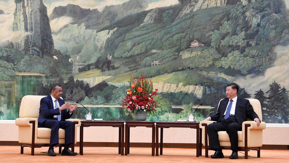 WHO-Chef Tedros Adhanom Ghebreyesus, chinesischer Präsident Xi Jinping