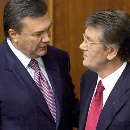 The bitter political rivals Viktor Yushchenko and Viktor Yanukovych now have to work together.