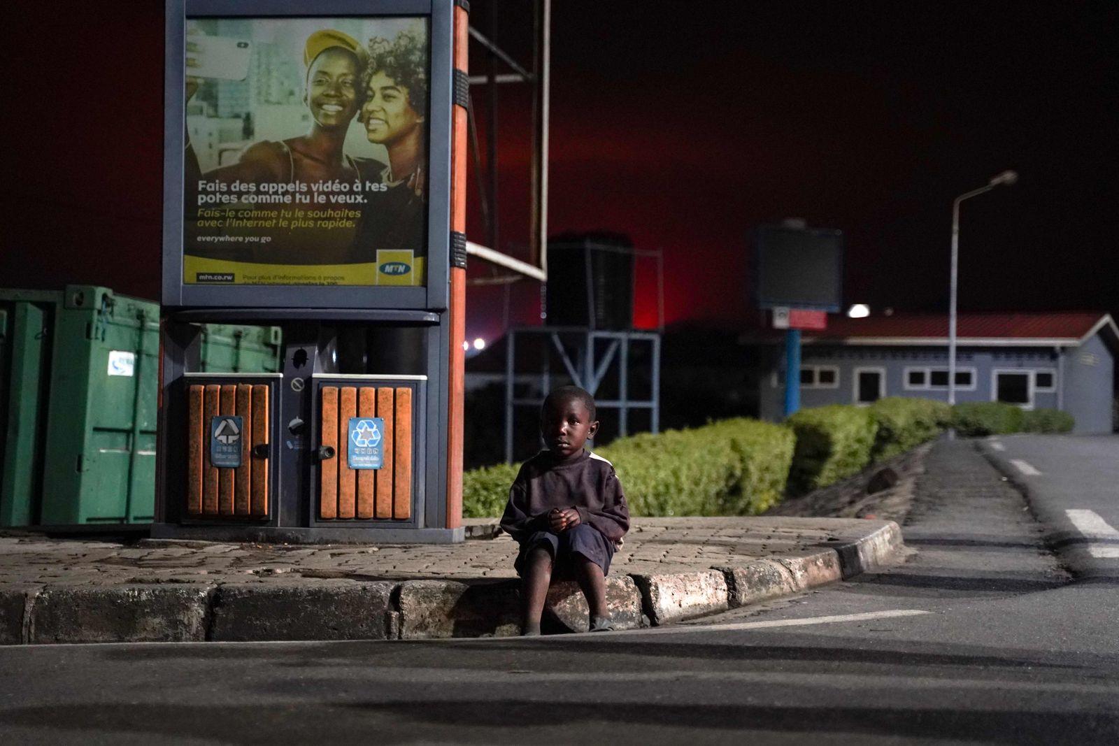 RWANDA-DRCONGO-VOLCANO