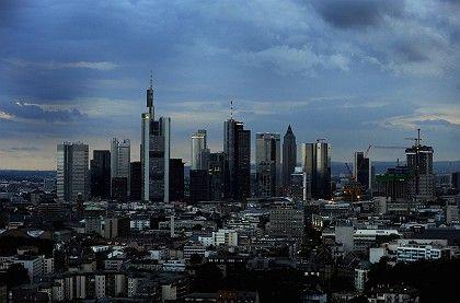 Banken-Skyline in Frankfurt: Finanzsystem am Scheitelpunkt