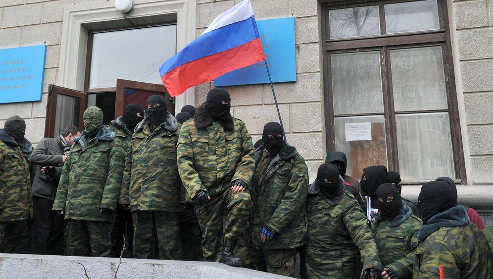 Krise in der Ukraine: Krim-Besatzer ohne Hoheitszeichen