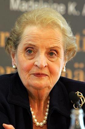 """Madeleine Albright: """"Es gibt eine Lernkurve"""""""