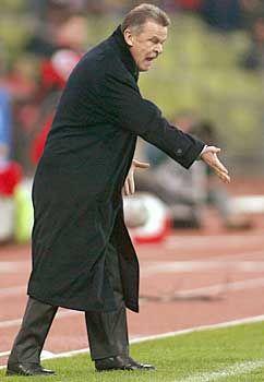 Garantiert nicht gefühlsblind: Wütender Ottmar Hitzfeld im November 2003, damals noch Bayern-Trainer