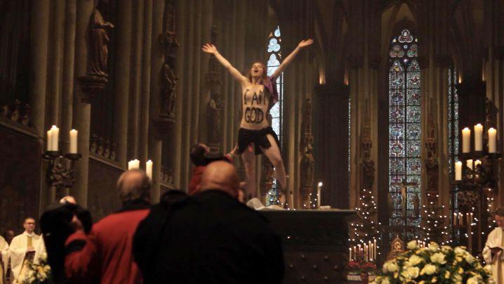 """Protest im Kölner Dom (25. Dezember 2013): """"Ich bin Gott"""""""