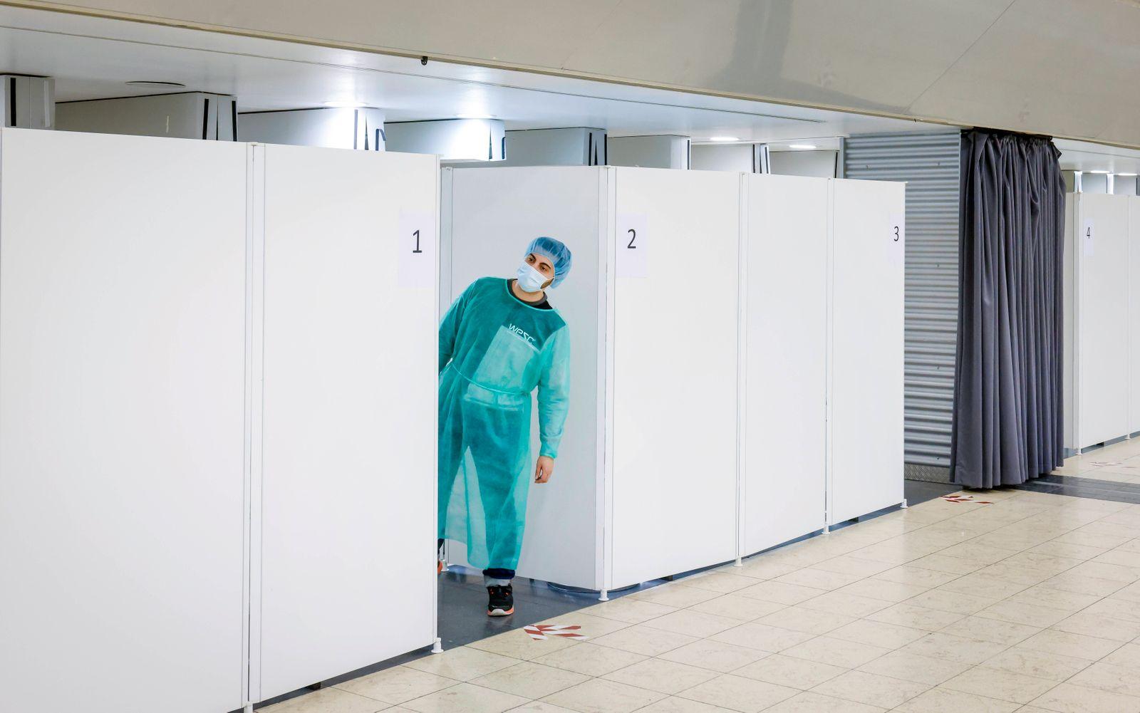 Essen, Nordrhein-Westfalen, Deutschland - Corona Testzentrum Grugahalle für gratis Bürgertest geöffnet, Covid Schnelltes