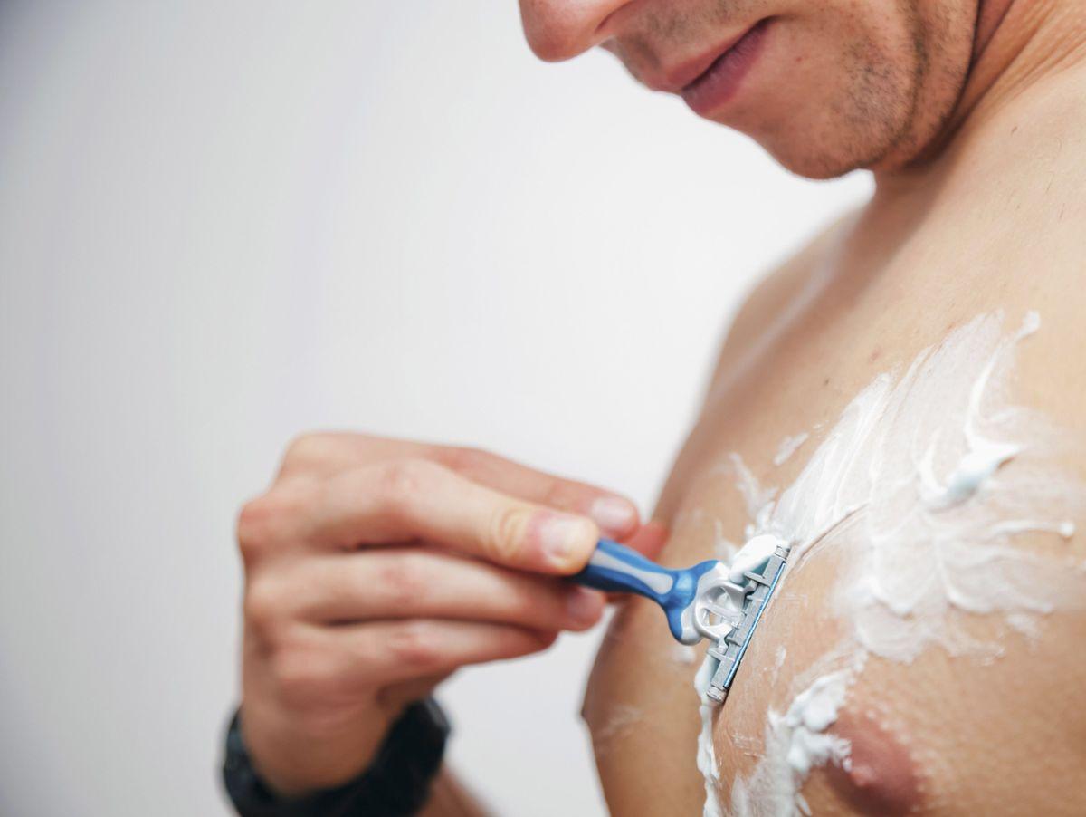 Frauenarzt rasieren