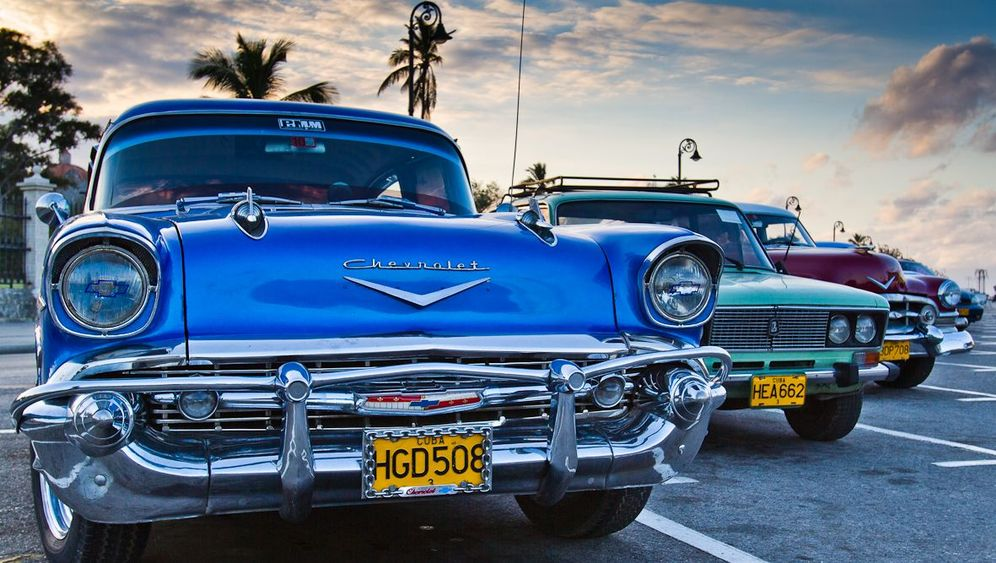 Oldtimer auf Kuba: Blechkitsch unter Palmen