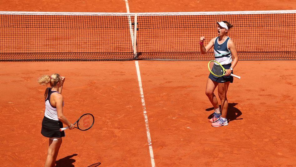 Finale! Barbora Krejcikova (r.) jubelt mit Katerina Siniakova