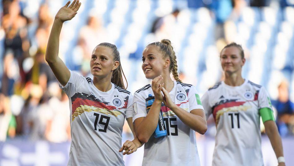 Klara Bühl (links) und Giulia Gwinn gehören zu den größten deutschen Talenten - und stammen aus der Talentschmiede des SC Freiburg