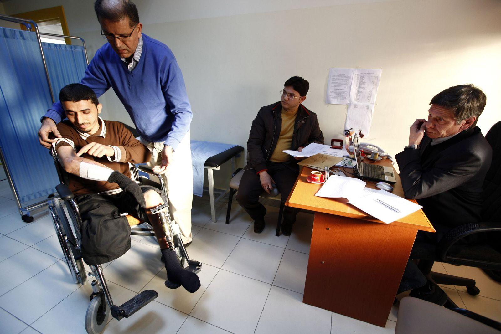 LIBYA / Kriegsinvalide / Behandlungsstreit