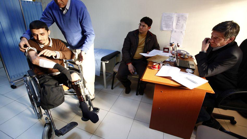 Libyscher Verletzter (Archivbild): Deutsche Ärzte leisten medizinische Hilfe