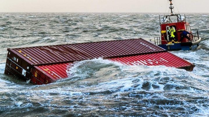 """""""MSC Zoe"""": Container über Bord"""