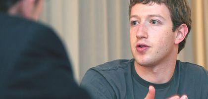"""Zuckerberg: Weltherrschaft mit """"Sharing"""" und """"Connecting"""""""