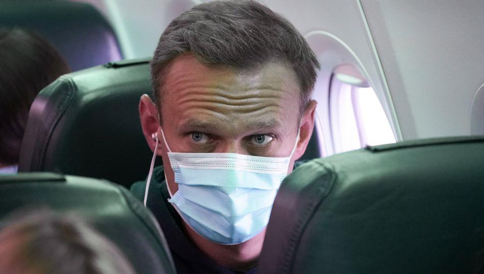 Kremlgegner Alexej Nawalny auf dem Flug nach Moskau (am 17. Januar)