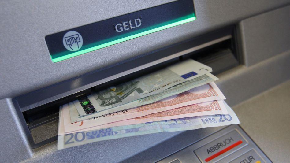 Geldautomat: Jeder Bürger hat einen Anspruch auf ein Girokonto.