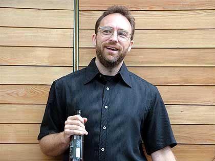 """Jimmy Wales: """"Nur doppelt so groß wie die Britannica"""""""