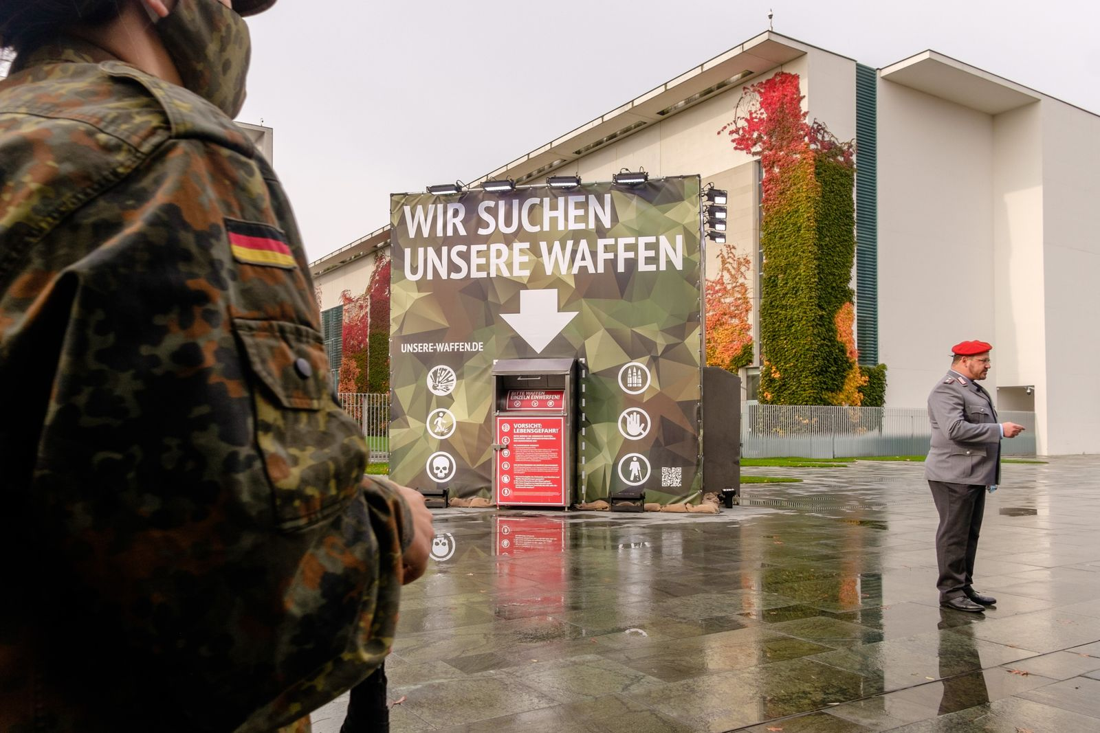 Art action Wo sind unsere Waffen of Center for Political Beauty