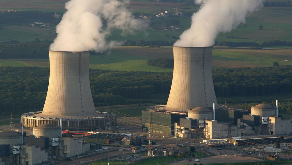 Atomkraftwerk Cattenom im Osten Frankreichs (Archiv): Verwundbar durch Drohnenangriffe
