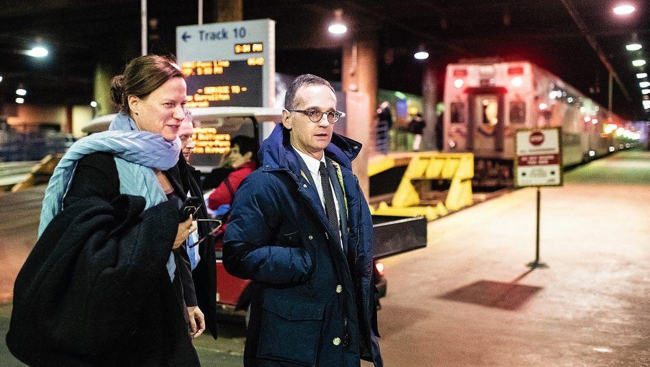 Außenminister Maas mit Vertrauter Stasch in Washington 2019: Torwächterin zur Macht