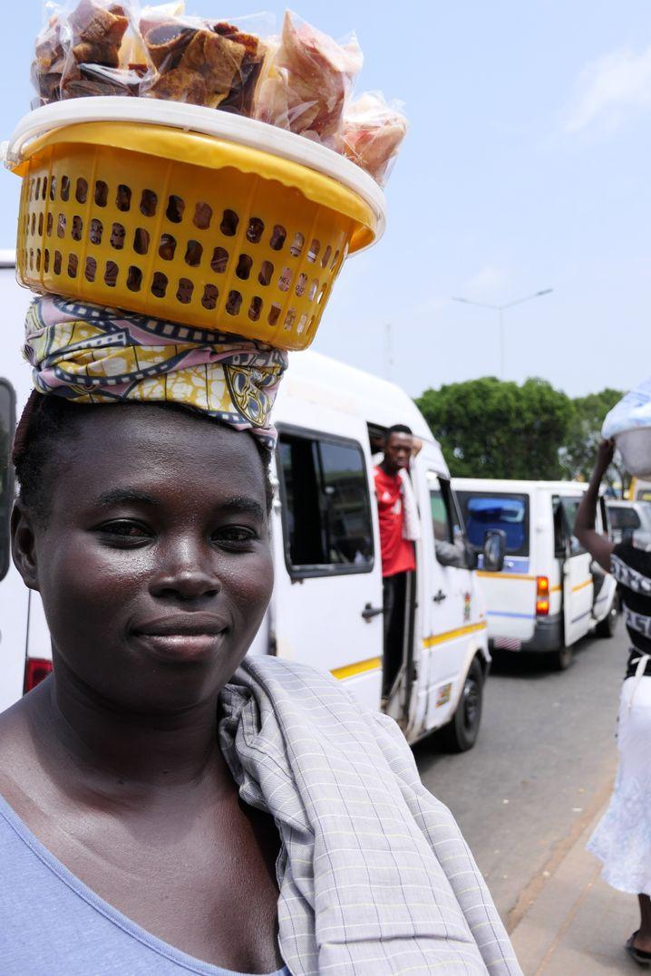 Viele Ghanaer verdienen ihr Geld auf der Straße, sie können sich die medizinische Versorgung kaum leisten