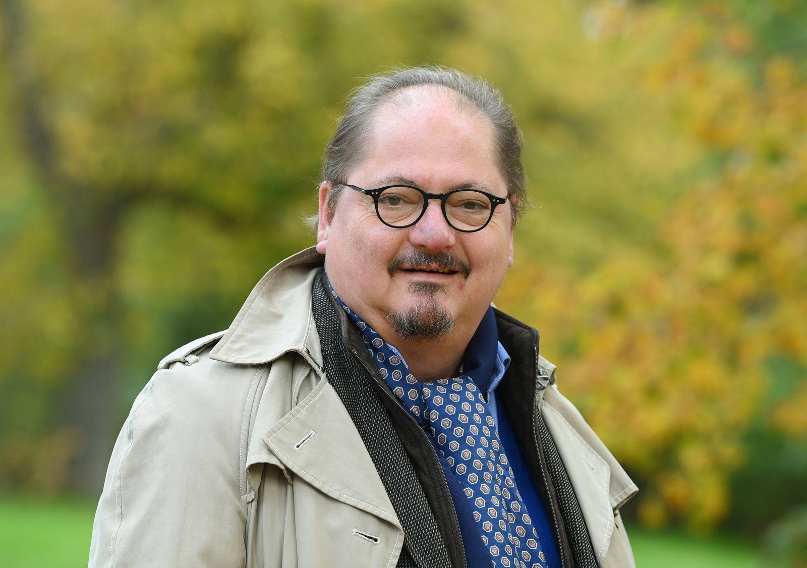EXCLUSIVE - Schauspieler Jürgen Tarrach