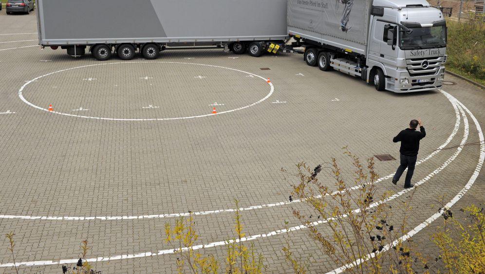 Gigaliner: 25 Meter lang, 60 Tonnen schwer