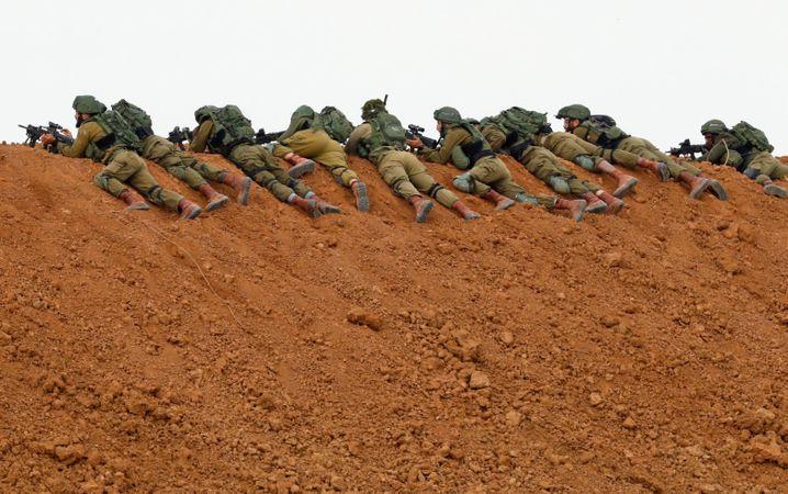 Israelische Soldaten in Nachal Oz
