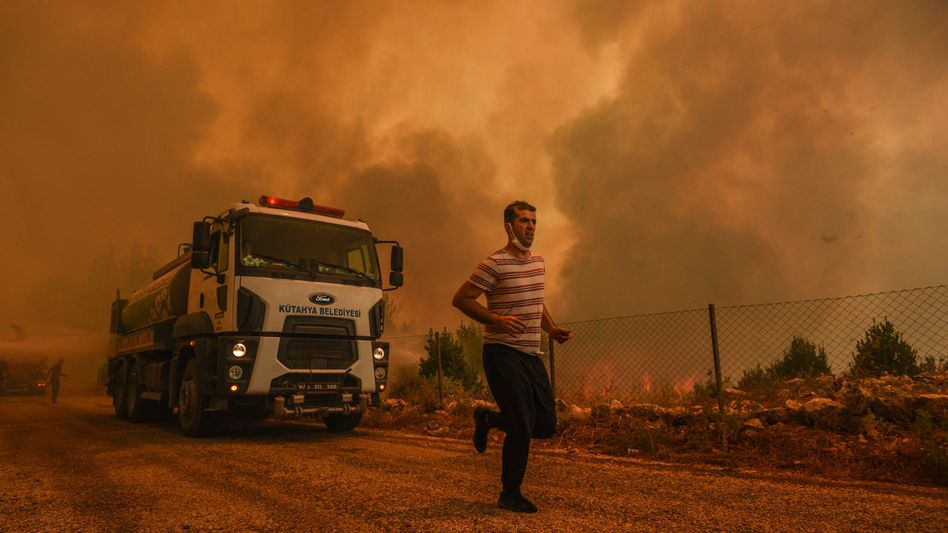 Sirtkoy ist einer der Orte in der Türkei, in denen derzeit Brände wüten