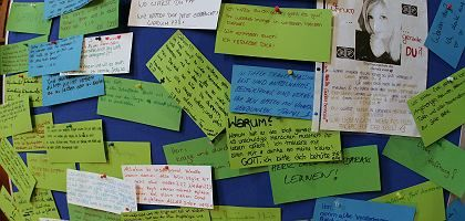 A message board at a church in Winnenden full of condolence messages after a service on Thursday.