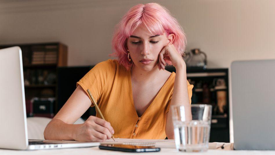 Studieren von zu Hause bedeutet oft: einsam studieren (Symbolbild)