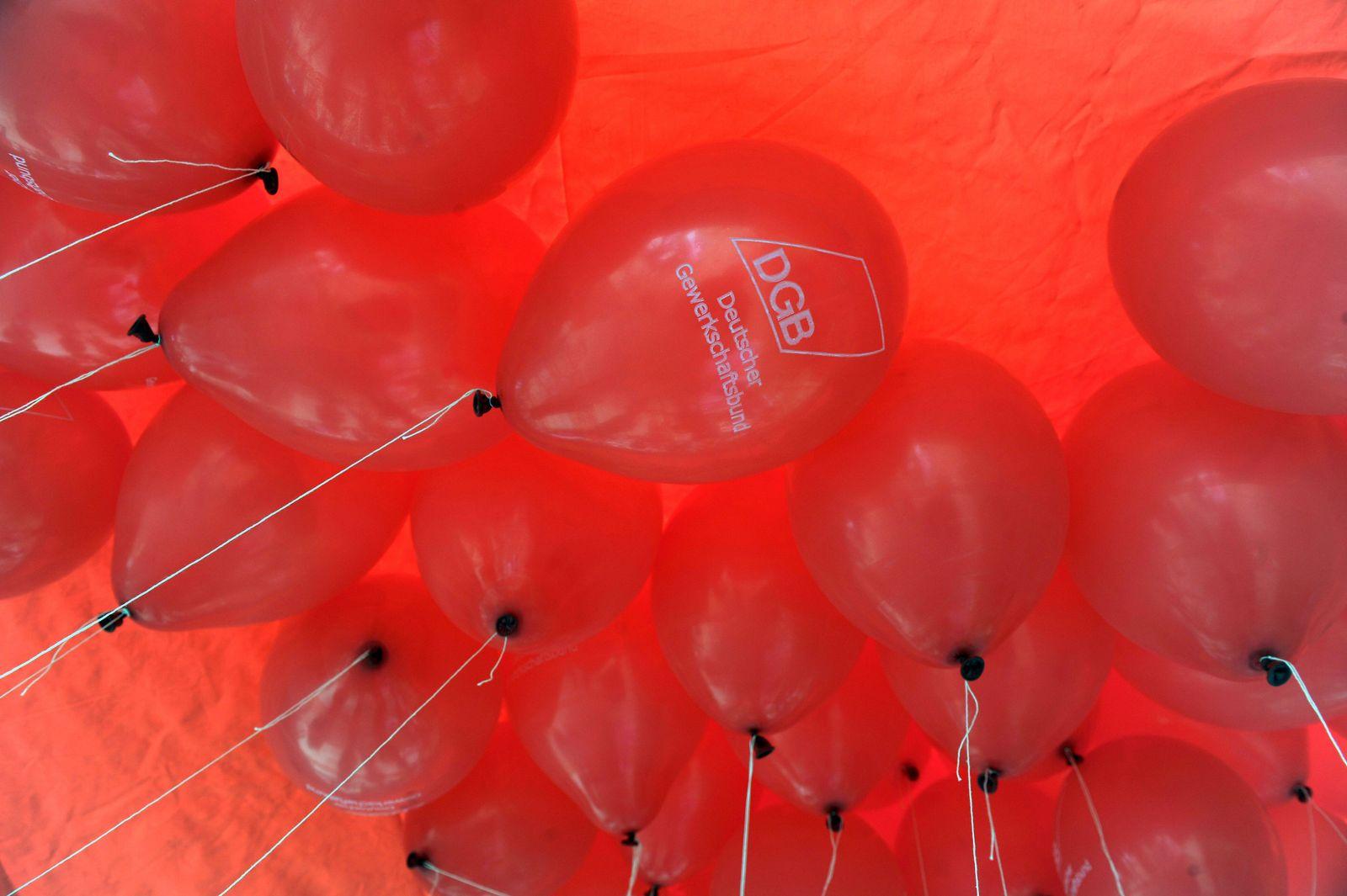 NICHT VERWENDEN DGB Luftballons