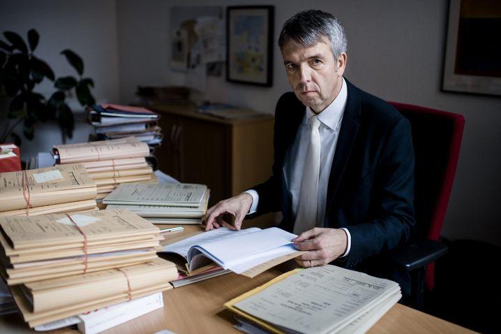 Raphael Murmann-Suchan in seinem Arbeitszimmer