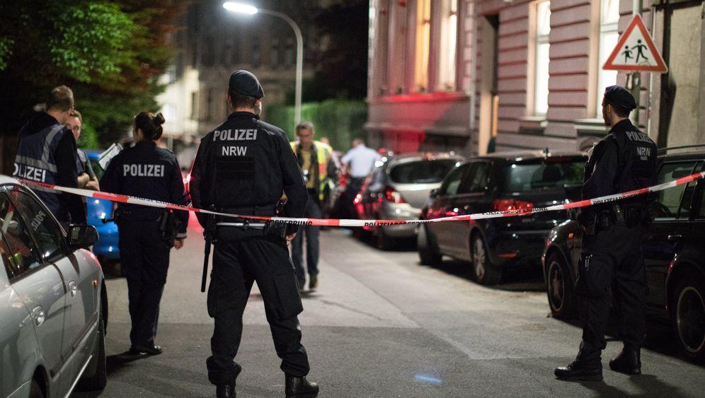 Drei Tote in Wohnheim gefunden: Bilder vom Tatort in Wuppertal-Elberfeld