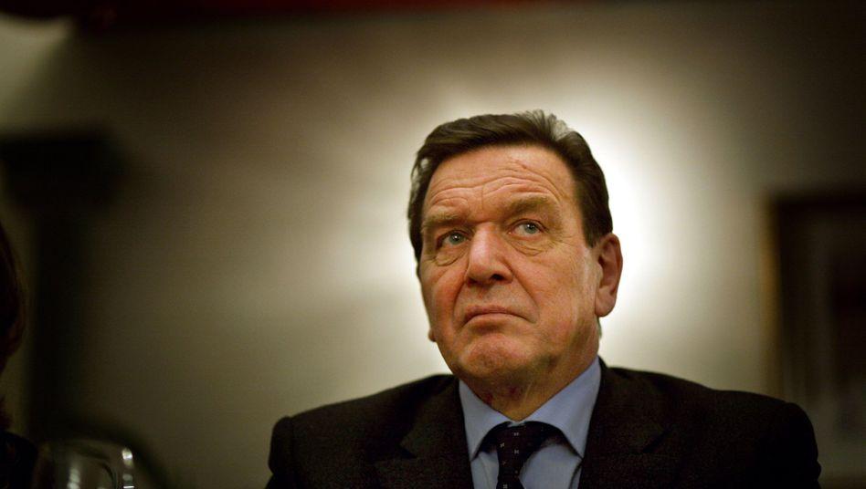Altkanzler Schröder: Freundliche Worte für Russlands neuen Präsidenten Putin