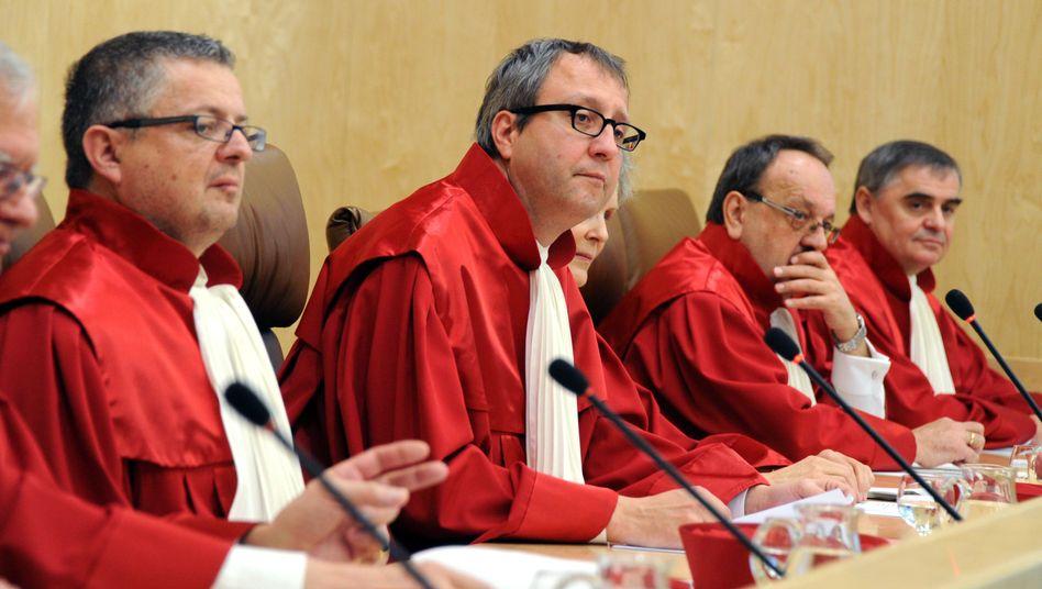 Der Zweite Senat des Bundesverfassungsgerichts: Schnelle Entscheidung über Eilantrag