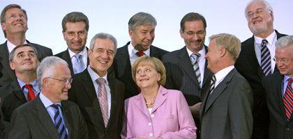 Merkel, Ministerpräsidenten: Gute Laune und unverbindliche Erklärungen