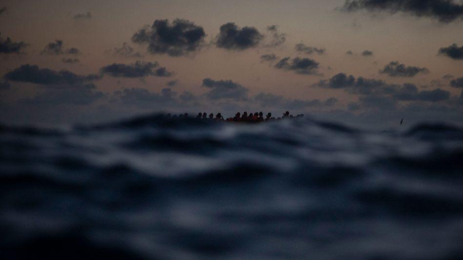 Flüchtende auf dem Mittelmeer