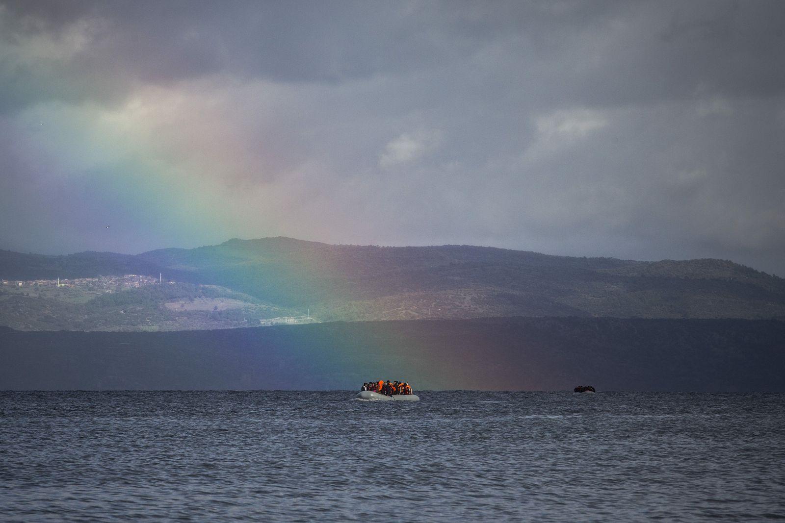 flüchtlinge lesbos boot