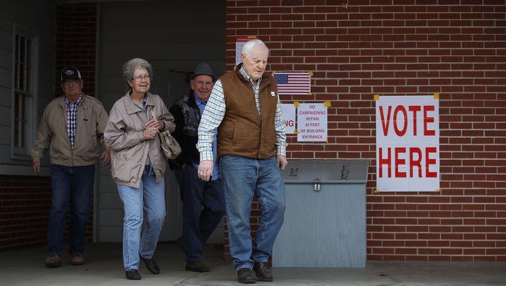 Wahl in Alabama: Mit Pferden und Protesten