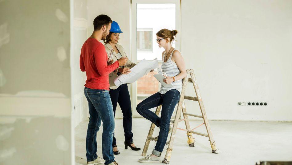 Bauherrenpaar mit Architektin: Generation y träumt den Traum vom Eigenheim