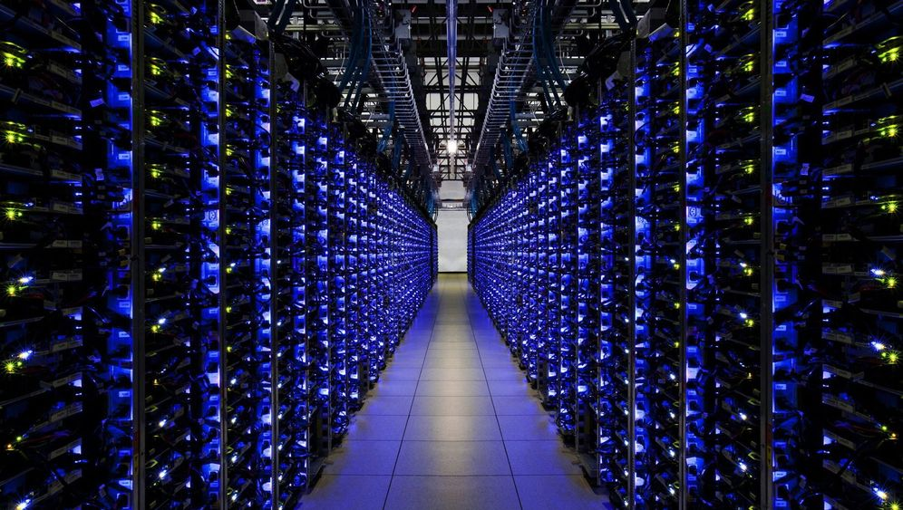 Photo Gallery: Taming the Avalanche of Data