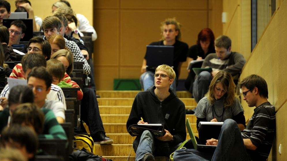 Photo Gallery: Weathering Academic Change in Germany