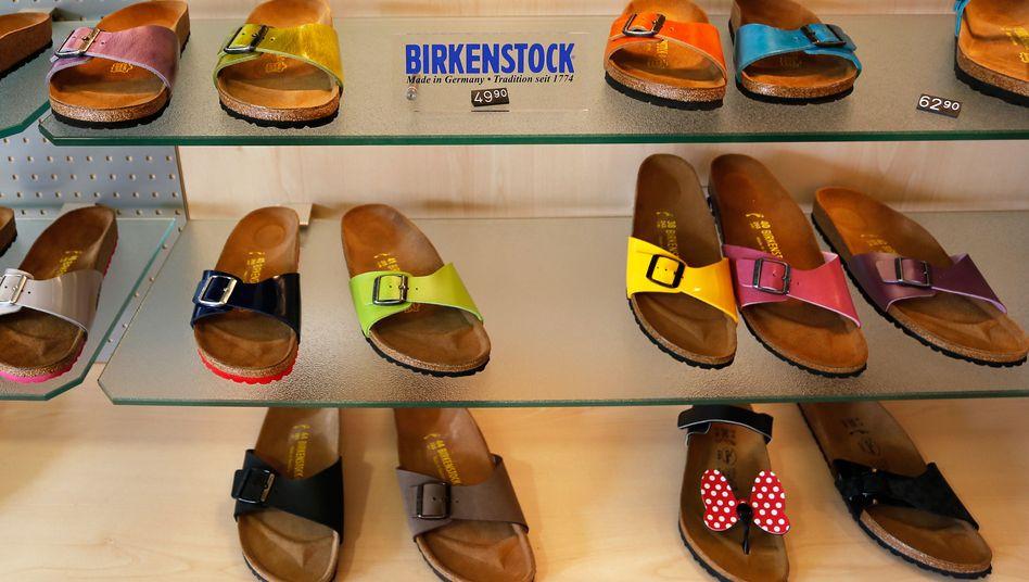 """Birkenstock-Sandalen: Bezahlung war """"eklatant rechtswidrig"""""""